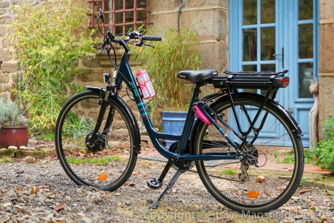 Trish's bike with lock in place. See how it stands out...