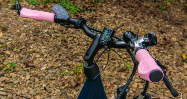Pink bar grips