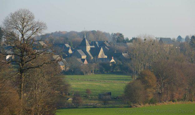 Cousmes-Vaucé village